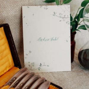 Delikatne zaproszenia ślubne z gipsówką akwarela kwiaty Gdynia Paperwords