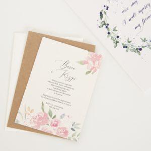 Akwarelowe zaproszenia ślubne z kwiatami w kolorze pudrowego różu