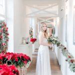 sukienka na ślub zimowy jedwabna suknia ślubna dekoracje świąteczne