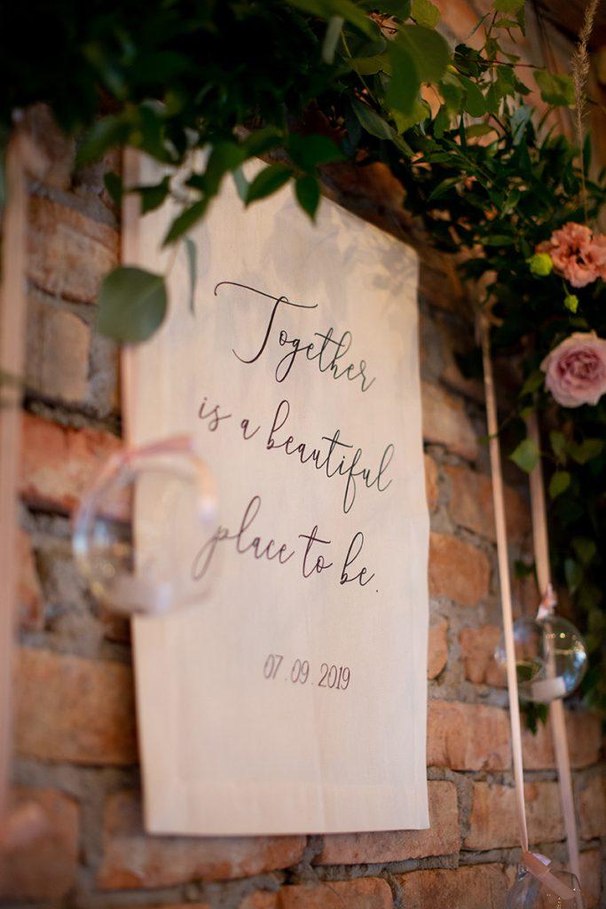 Dekoracja weselna personalizowana tkanina na wesele
